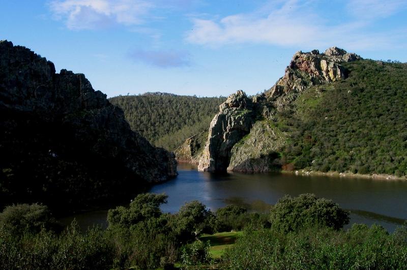 Los avisos por calor vuelven este martes a Extremadura, donde afectarán a la comarca cacereña del Tajo y Alagón