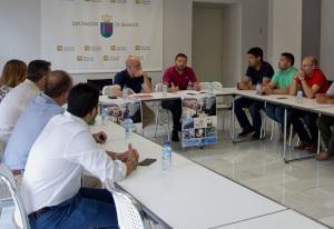 La Diputación de Badajoz se reúne con los alcaldes de los municipios participantes en el proyecto URBANSOL