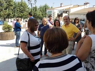 Vecinos y vecinas de Torremocha agradecen a la Diputación las obras de la Plaza del Palacio