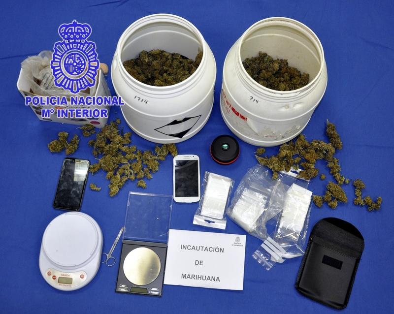 Detenido un joven de 22 años de Almendralejo envasando 657 gramos de marihuana en un garaje