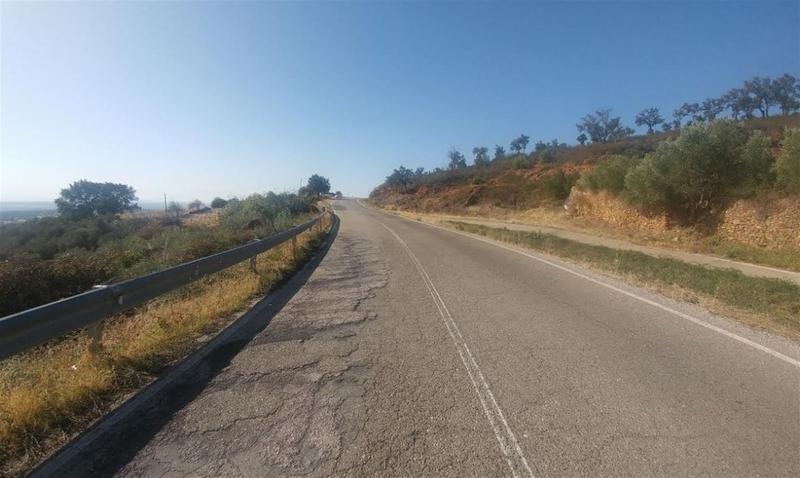 La Diputación de Cáceres destina 925.000 euros para rehabilitar y ampliar el ancho de la vía CC-30 a Casas de Millán