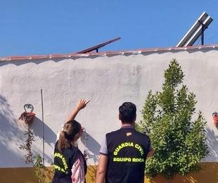 Detenidos dos vecinos de Mérida dedicados al robo en instalaciones fotovoltaicas de casas de campo