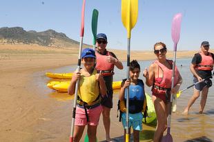 Actividades acuáticas en Peñalsordo para promocionar los embalses de la provincia