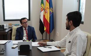 El nieto de Juan Antonio Samaranch visita al presidente de la Diputación