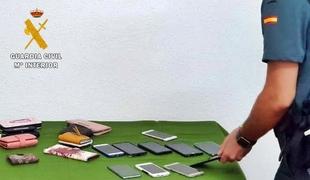 Investigados dos vecinos de Badajoz por hurtos de bolsos, carteras y teléfonos móviles