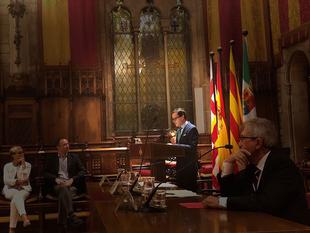 Gallardo pronuncia en Barcelona la conferencia con la que los emigrantes extremeños conmemoran el Día de Extremadura