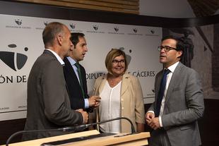 Junta y diputaciones de Cáceres y Badajoz se reúnen para avanzar hacia un pacto social y político sobre el reto demográfico