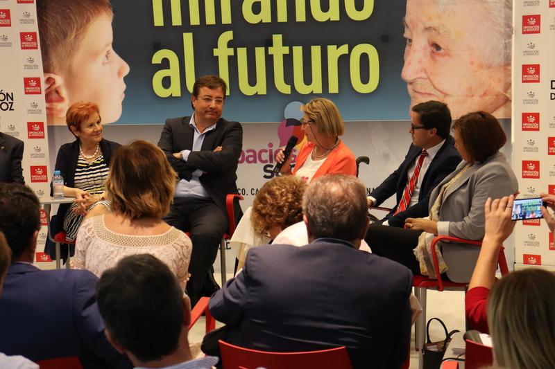La exposición 'Mirando al futuro' recorrerá la provincia a través de los Centros Integrales de Desarrollo