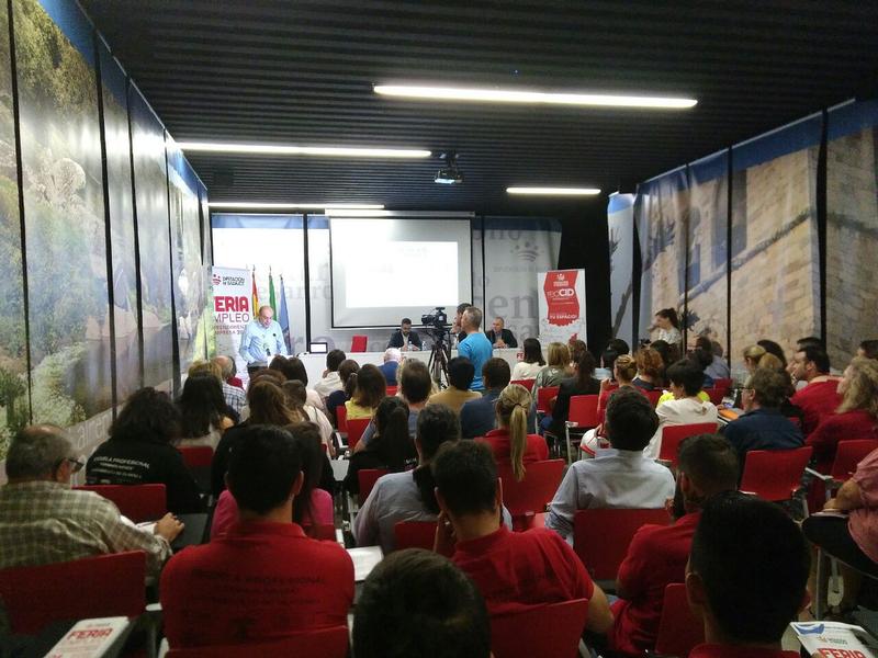 El CID Comarca de Olivenza acoge a más de 200 personas y 20 Empresas en la Feria de Empleo Emprendimiento y Empresa 2018