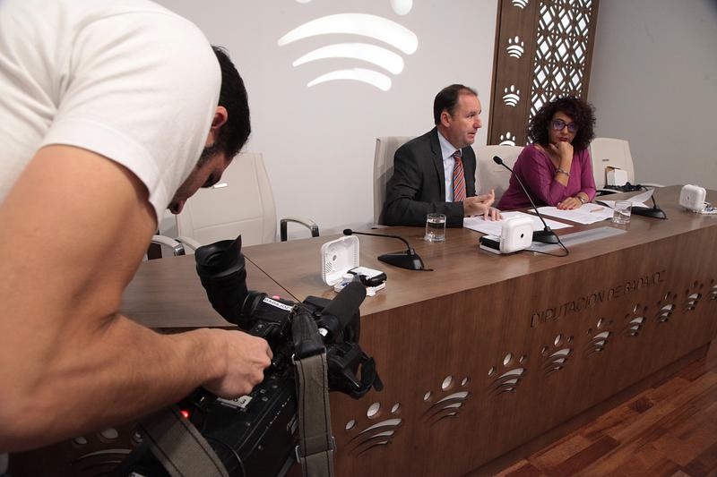 La Diputación de Badajoz instalará 5.000 detectores de humo en domicilios particulares de personas mayores residentes en la provincia