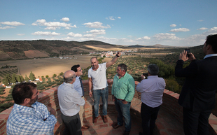 El presidente de la Diputación visita La Lapa y Los Santos de Maimona