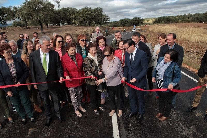 La Diputación de Badajoz mejora dos carreteras de La Siberia