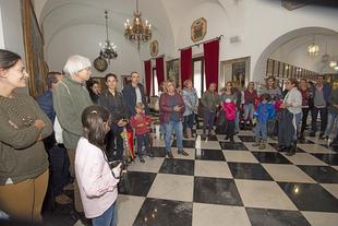 La presidenta de la Diputación y alumnos del Conservatorio de Danza reciben a las visitas de la Semana de Puertas Abiertas
