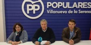 El Portavoz del PP de Villanueva de la Serena y el Presidente Local de NNGG presentan su baja del partido por ''entreguismo al PSOE''