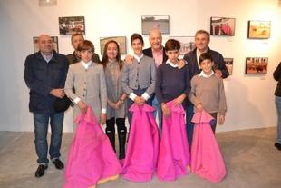 Inaugurada en Jerez la exposición de fotografías del 20 aniversario de la Escuela de Tauromaquia de la Diputación