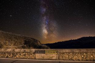 Una imagen del puente romano de Segura gana el primer premio ''Señas de Identidad''