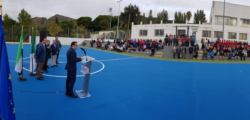 La Diputación de Badajoz pone a punto las pistas polideportivas de Hornachos