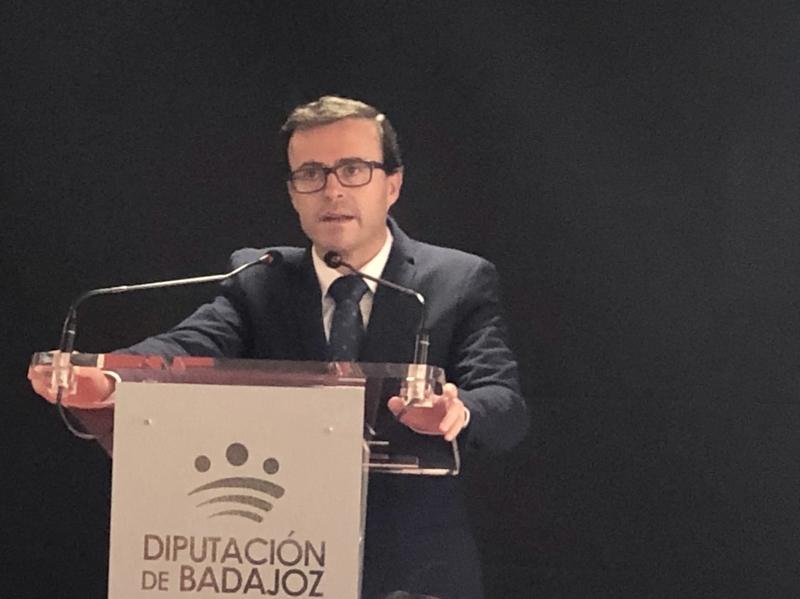 El presidente de la Diputación de Badajoz inaugura en Montijo la 1ª Feria de la Cultura y el Territorio