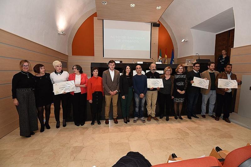 Proyectos para el autoconsumo energético, comida a domicilio, cubiertas de claustros y robótica, premios PIE'2018