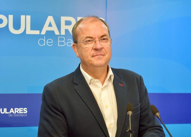 Monago: ''El silencio de Fernández Vara es indigno como el tren''