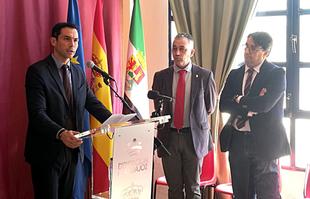 El diputado provincial Manuel Borrego visita la Residencia de Mayores de Siruela