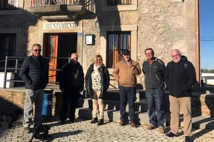 La Presidenta de la Diputación visita Benquerencia para conocer el proyecto ''Less than Hundred''