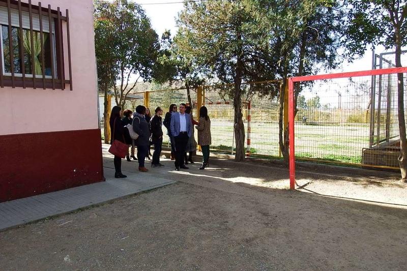 Esther Gutiérrez visita las obras realizadas en el colegio y en el instituto de Hornachos