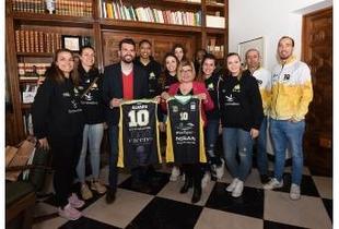 Diputación da todo su apoyo al Club Baloncesto Al-Qázeres que se prepara para la Copa S. M. La Reina de baloncesto femenino