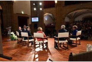 La Diputación de Cáceres reúne a los presidentes cacereños de la Democracia y a los alcaldes y alcaldesas de la provincia