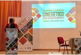 El Turismo Cinegético, a debate en Sierra de San Pedro como sector para combatir el despoblamiento en zonas rurales