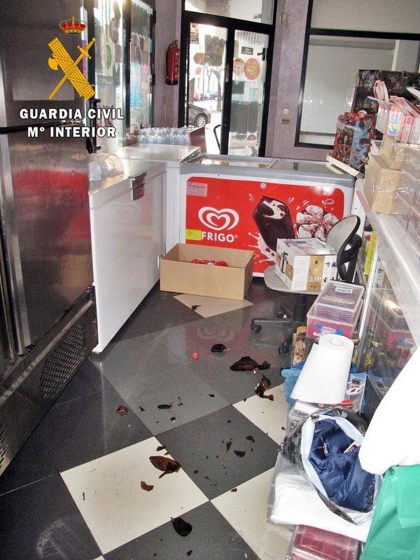 La Guardia Civil instruyó diligencias a dos menores por seis robos en una misma noche