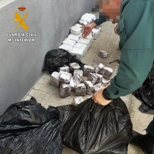 Intervenidos casi 50 kilos de hachís a un vecino de Málaga