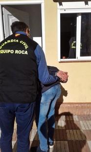La Guardia Civil detiene a un delincuente que robaba a trabajadores mientras estos realizaban labores agrícolas