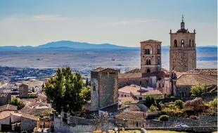 Setenil de las Bodegas, entre los diez pueblos finalistas a convertirse en Capital del Turismo Rural 2019