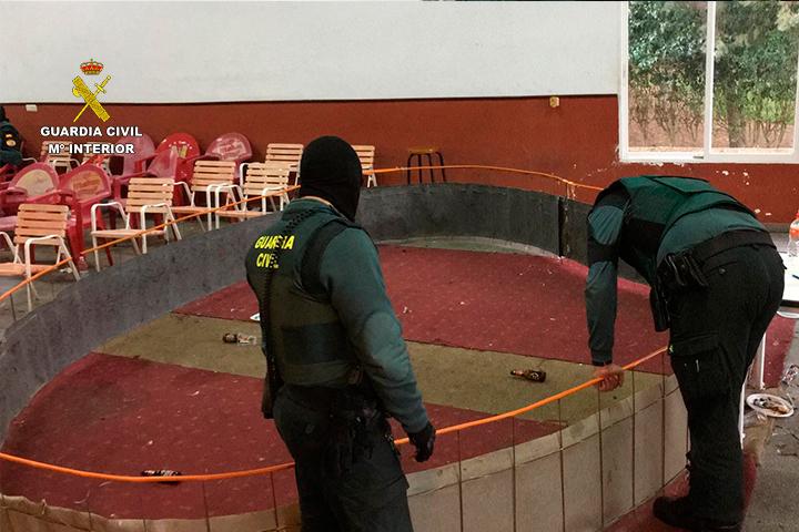 La Guardia Civil investiga a veintitrés personas por la celebración clandestina de peleas de gallos