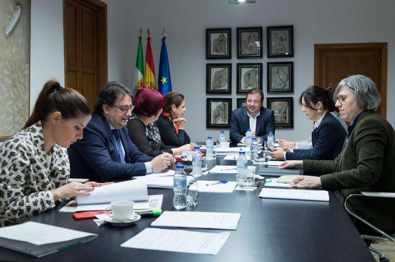 Convenio entre la Junta y las dos diputaciones para la coordinación y colaboración de políticas en materia de mancomunidades integrales de municipios
