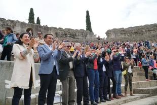 El programa Mus-e, que se aplica en 25 colegios extremeños, hace demostración de sus logros en el Teatro Romano de Mérida