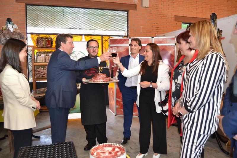 Jerez de los Caballeros inauguró ayer la XXX edición del Salón del Jamón Ibérico