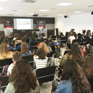 Unos 60 alumnos Erasmus+ visitan el Fiware Space de la Diputación de Badajoz