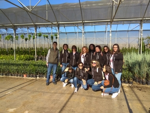 Las alumnas del proyecto ''La Nava Avanzando'' visitan el Vivero Provincial de Diputación de Badajoz
