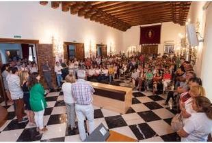 La presidenta se reúne con los trabajadores y trabajadoras de la Diputación en un primer encuentro de Legislatura