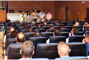 Charo Cordero reúne a empresarios de la construcción para informarles de la situación de la obra pública de la Institución
