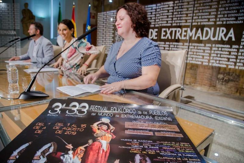 El Festival Folklórico de los Pueblos del Mundo de Extremadura se desarrollará en 62 localidades
