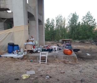 Denuncian que un grupo de personas está acampando ilegalmente en unos terrenos públicos de Lobón