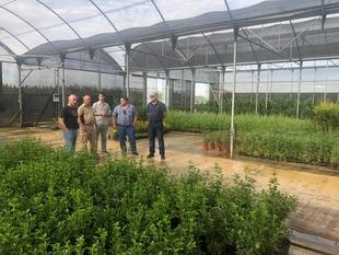 Lorenzo Molina, diputado provincial del Área de Desarrollo Rural y Sostenibilidad, visita las instalaciones del Vivero Provincial
