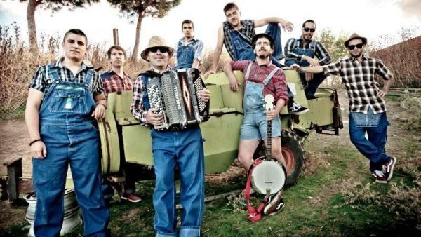 La fusión celta-folk-rock de The Fatty Farmers, en Moraleja en el marco de Estivalia