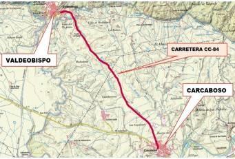 Acondicionada la carretera CC-84 que une Carcaboso con Valdeobispo, afectada por los regadíos colindantes