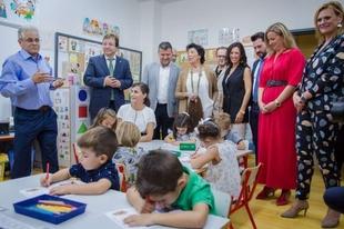 Fernández Vara acompaña a S. M. la Reina Letizia en la inauguración del curso escolar 2019-2020 en Torrejoncillo