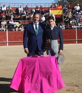 Manuel Perera, de la Escuela Taurina de Badajoz, se alza con la 'Piña de oro' en Hoyo de Pinares