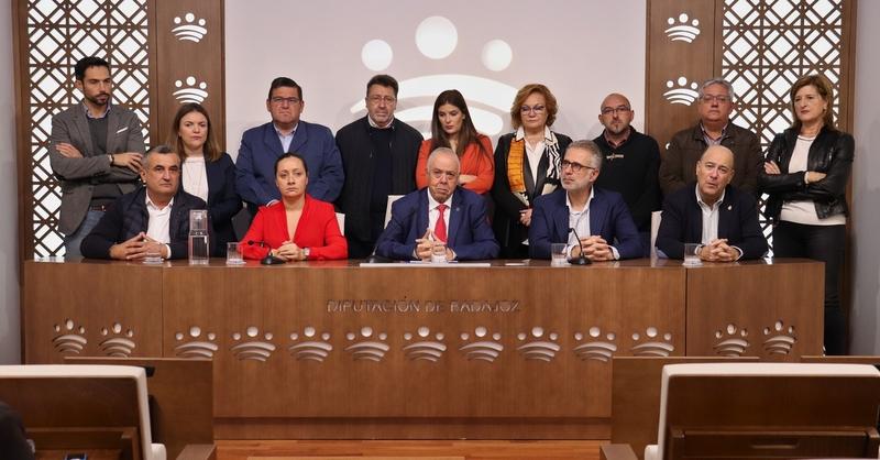 Gallardo recibe el respaldo de sus ex diputados